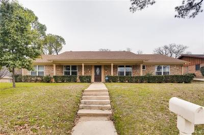 Hurst Single Family Home For Sale: 1764 Westridge Drive