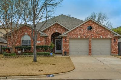 Hurst, Euless, Bedford Single Family Home For Sale: 315 Hill Crest Drive