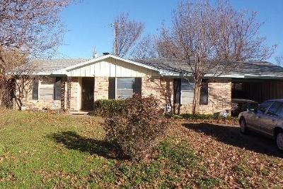 Irving Single Family Home For Sale: 432 Brown Drive
