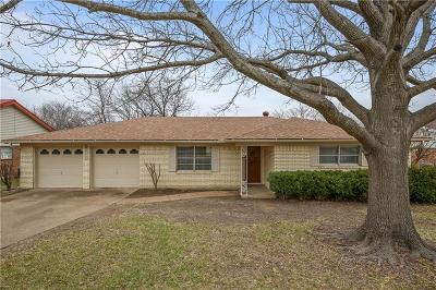 Benbrook Single Family Home For Sale: 1213 Sproles Drive