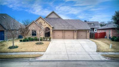 Benbrook Single Family Home For Sale: 517 Sterling Drive