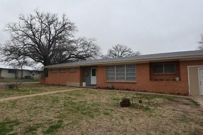 Comanche County Single Family Home For Sale: 424 S Bell Street
