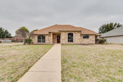 Benbrook Single Family Home For Sale: 1301 Concho Drive