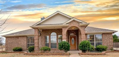 Single Family Home For Sale: 1201 Oakley Drive