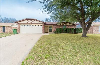 Arlington TX Single Family Home For Sale: $225,000