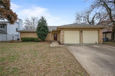 Bedford Single Family Home For Sale: 2840 Woodpath Lane