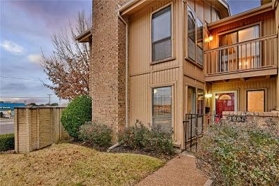 Hurst, Euless, Bedford Townhouse For Sale: 2901 Oak Shadow Circle