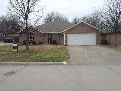 Mansfield Single Family Home For Sale: 1710 Merritt Drive