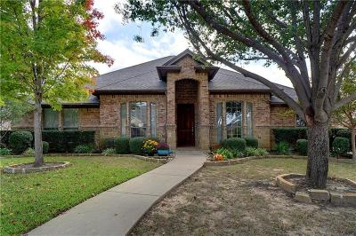 Hurst Single Family Home For Sale: 752 Trails End Circle