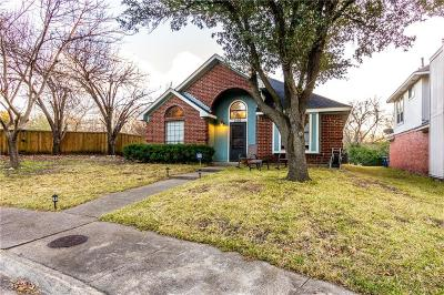 Dallas, Fort Worth Single Family Home For Sale: 2136 Meadow Way Court