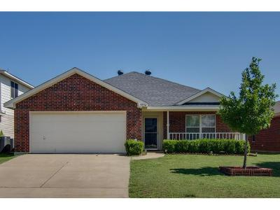Fort Worth TX Single Family Home For Sale: $183,000