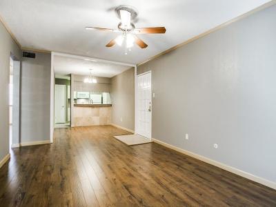 Dallas Condo For Sale: 6077 Milton Street #137