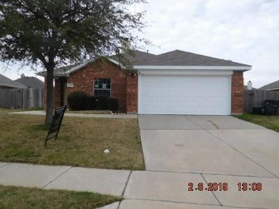 Fort Worth Single Family Home For Sale: 14037 Bronc Pen Lane