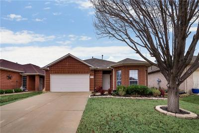 Fort Worth Single Family Home For Sale: 2677 Chadwick Drive