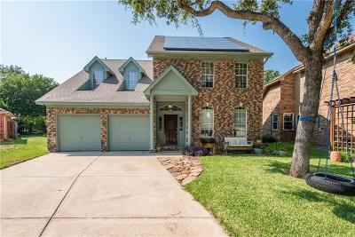 Bedford Single Family Home For Sale: 3225 Oleander Court