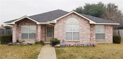 Lancaster Single Family Home For Sale: 1317 Rosewood Lane