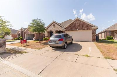 Fort Worth Single Family Home For Sale: 4932 Wild Oats Drive