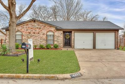 Haltom City Single Family Home For Sale: 4412 Mink Drive