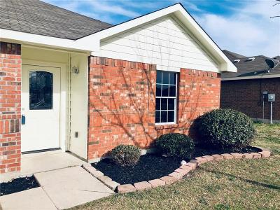 Rhome TX Single Family Home For Sale: $195,000