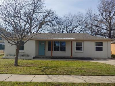 Fort Worth Single Family Home For Sale: 129 Priddy Lane
