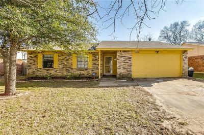Mansfield Single Family Home For Sale: 802 Fort Worth Street