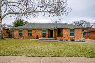 Dallas Single Family Home For Sale: 308 Easton Road