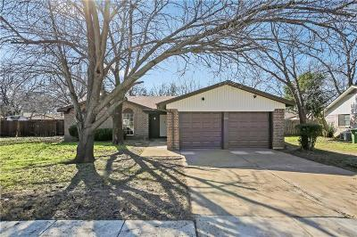 North Richland Hills Single Family Home For Sale: 7458 Meadow Court