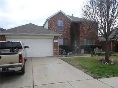 Crowley TX Single Family Home For Sale: $210,000