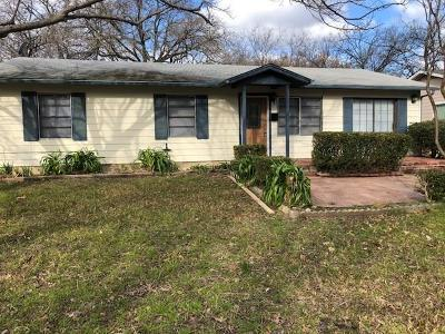 Euless Single Family Home For Sale: 907 Collin Drive