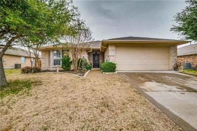 Denton County Single Family Home For Sale: 9932 Divine Court