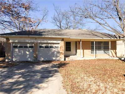 Dallas Single Family Home For Sale: 10229 Lanshire Drive