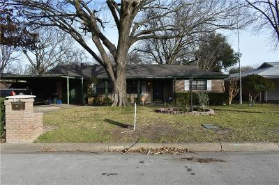 Benbrook TX Single Family Home For Sale: $159,900