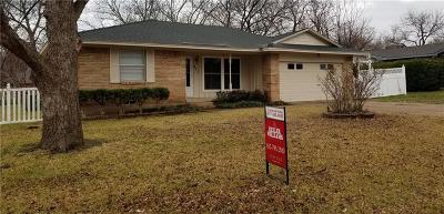 Desoto Single Family Home For Sale: 611 Misty Glen Drive