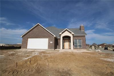 Cleburne Single Family Home For Sale: 1728 Lakeway