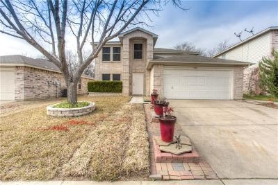 Fort Worth Single Family Home For Sale: 5321 Bedfordshire Drive