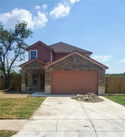 Tarrant County Single Family Home For Sale: 2801 Berryhill Drive
