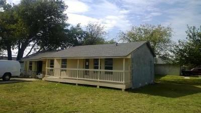 Denton County Single Family Home For Sale: 306 Hillside Beach Drive