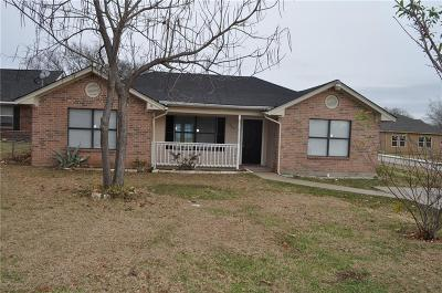 Ennis TX Single Family Home For Sale: $142,500
