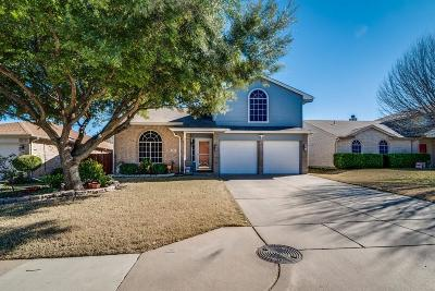 Burleson Single Family Home For Sale: 721 Crestmont Drive
