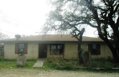 Hamilton TX Single Family Home For Sale: $86,500