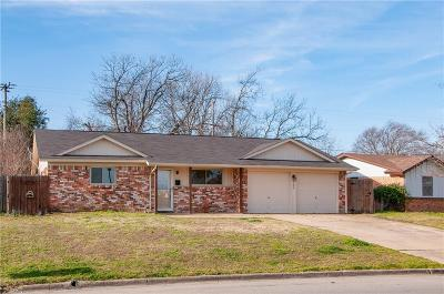 Burleson Single Family Home For Sale: 225 NW Summercrest Boulevard