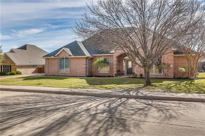 Burleson Single Family Home For Sale: 405 Kingswood Drive