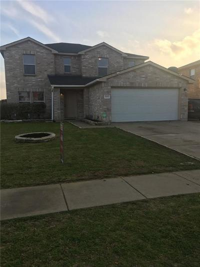 Grand Prairie Single Family Home For Sale: 2451 Canyon Springs Drive