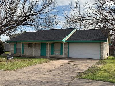 Grand Prairie Single Family Home For Sale: 605 Forest Park Place