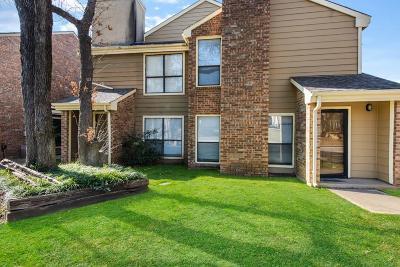 Arlington Condo For Sale: 2129 Park Willow Lane #A
