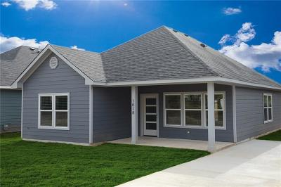 Denison Single Family Home For Sale: 1018 W Chase Street