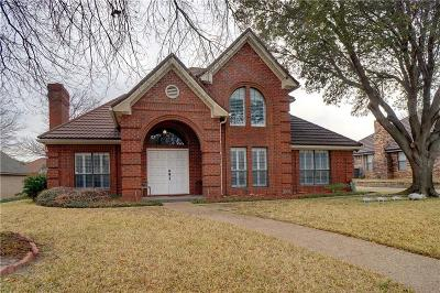 Hurst Single Family Home For Sale: 3109 Woodridge Drive