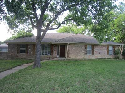 Grand Prairie Single Family Home For Sale: 1410 Canadian Circle