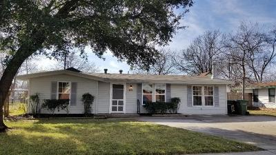 Garland Single Family Home For Sale: 210 Wallace Drive