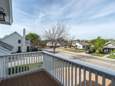 Single Family Home For Sale: 205 Dooley